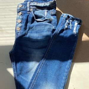 dark washed faded blue skinny jeans